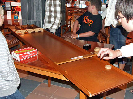 rabomberless shuffleboard und andere ideen. Black Bedroom Furniture Sets. Home Design Ideas